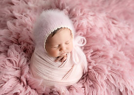 Newborn Photographer Bubbles and Bluebel