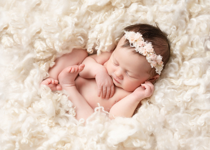 Cosy Newborn Photos - London Newborn Photographer