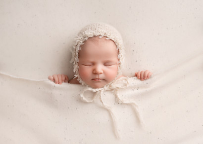 Newborn Photography cut baby photoshoot