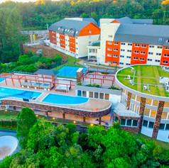 Golden-Gramado-Resort-Laghetto-Aerea-4-1-pb114srlnch45bvfiol41hxt5r3i3a8k492jf5hk34.jpg