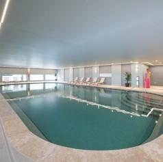 Golden-Gramado-Resort-Laghetto-Piscina-Interna-pb10yeh54xpv4v5xvf1ikm1vmcmkpfubkl8kucz0fk.