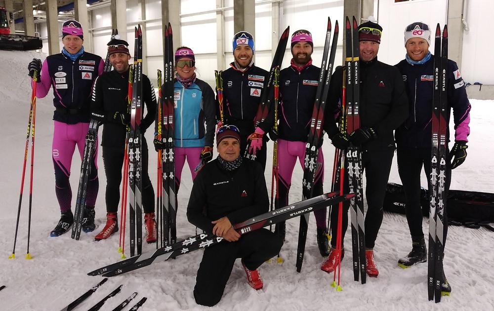 Zleva: Josef Kučera (Kästle), Roxane Lacroix, Pawel Klisz, Jan Antolec, Vít Fousek (Kästle), Alexis Jeannerod Dole: Martin Petrásek (Kästle)