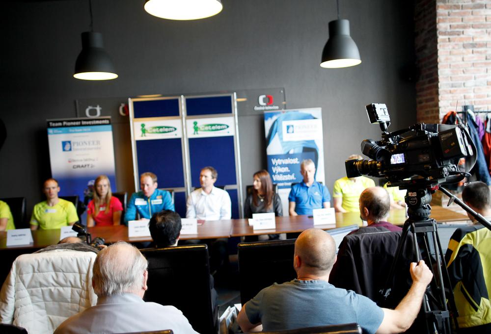 Tisková konference týmu