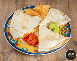 photoshoot_for_mexican_bar_barquesadilla