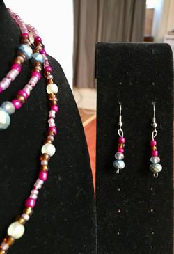 Jewelry set detail