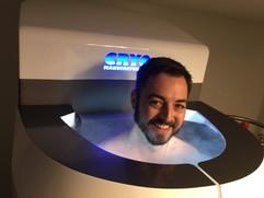 Sourire en cabine de cryothérapie