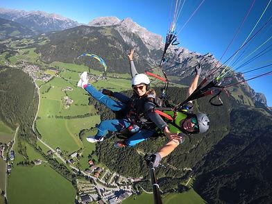 Tandemflug Tandemsprung Paragleiten Gleitschirm Tandem BASIC Werfenweng Salzburg Tom2Fly
