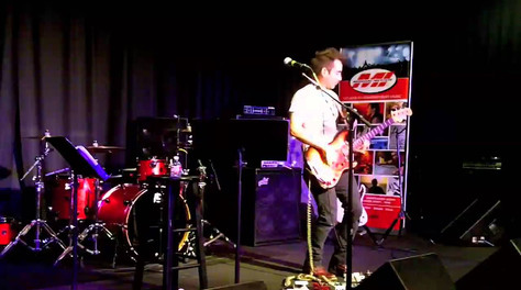 Breakout, live in clinic at Bass Player Live