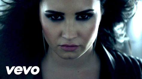 """Demi Lovato: """"Heart Attack"""""""
