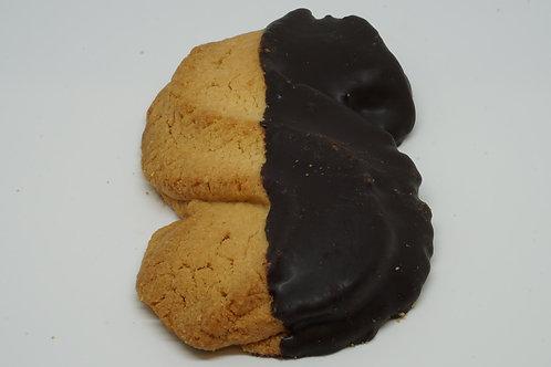 Esse di Pasta Frolla ricoperta di Cioccolato Fondente