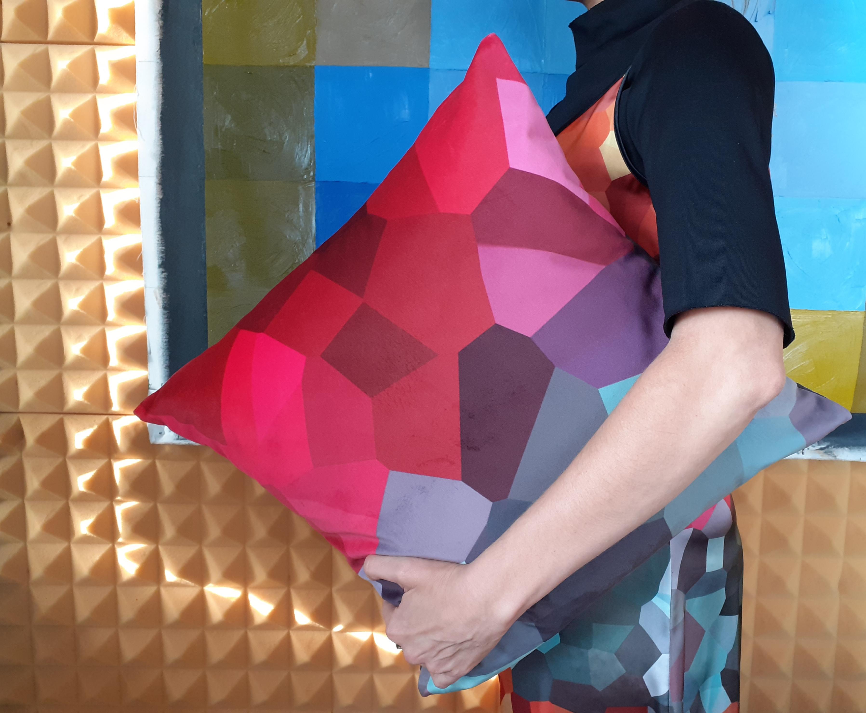 Kaleidoscope- velvet cushion (red/gray)