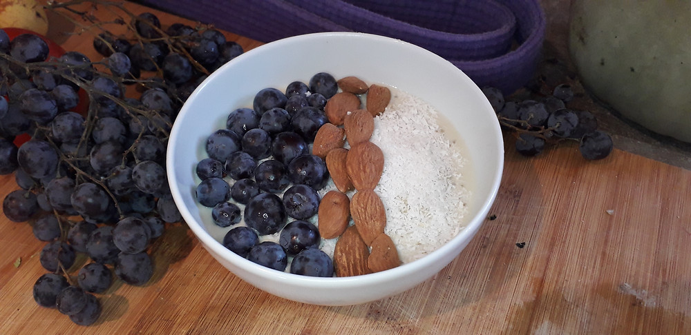 quinoa raisin amandes breakfast