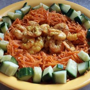 Crevettes marinées et carottes sautées