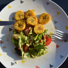 Banane plantain et salade d'été