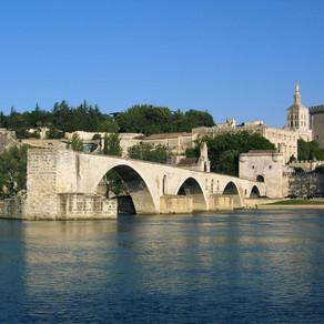 Où manger/résider/s'entrainer à Avignon?
