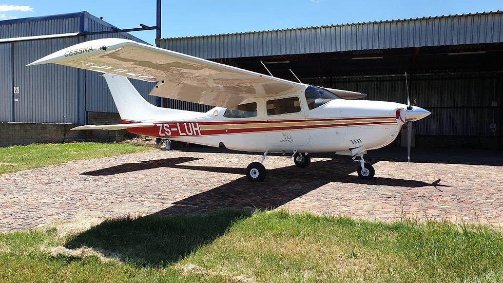 Cessna 210M