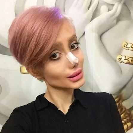 Quand la version zombie d'Angelina Jolie est accusée de blasphème en Iran
