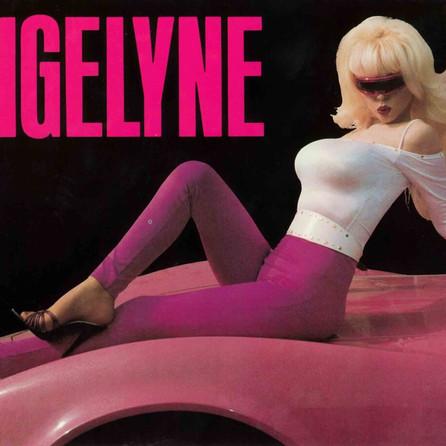Qui est Angelyne, l'ancêtre de Kim Kardashian et Paris Hilton ?