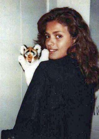 Qui était Gia Carangi, première top model sulfureuse disparue à 26 ans ?