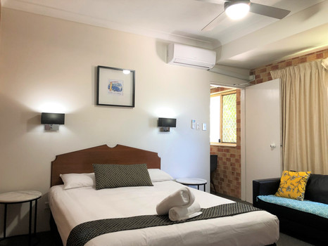 3 Interconnecting Bedrooms