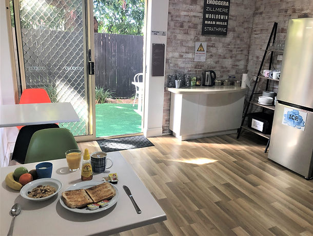 Breakfast Room2.jpg