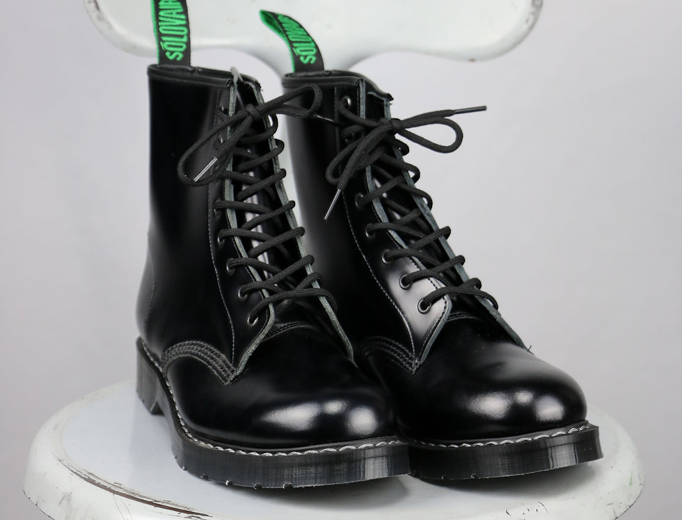SOLOVAIR BLACK DERBY BOOTS