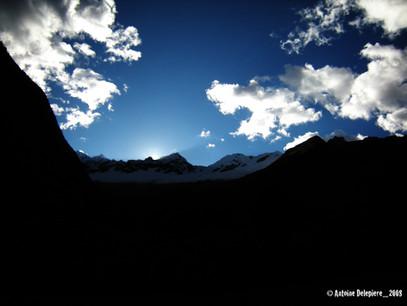 Sun hidden by the montain