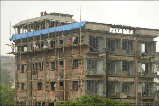 construction in bangladesh.png
