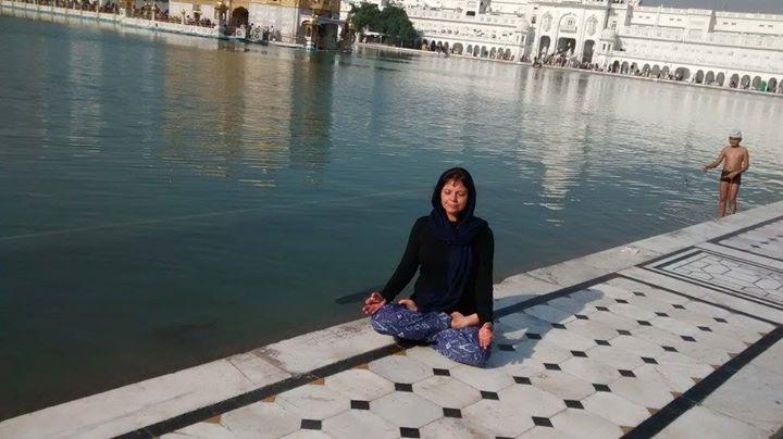 Incrível a beleza do Golden Temple, local de peregrinação mais importante do Sikhis, no norte da Índ