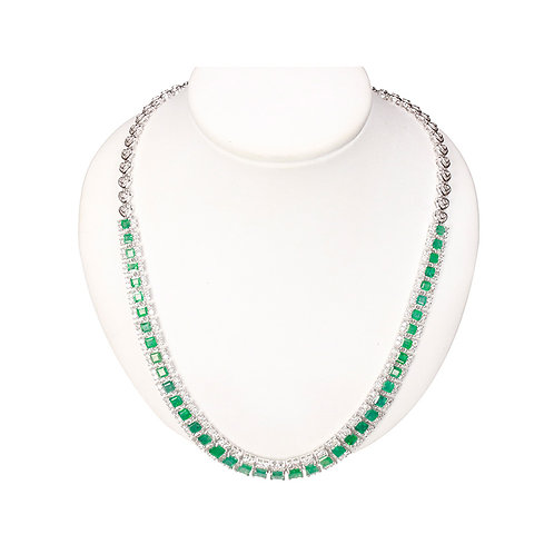 WHITE GOLD NECKLACE WHIT EMERALD AND DIAMONDS