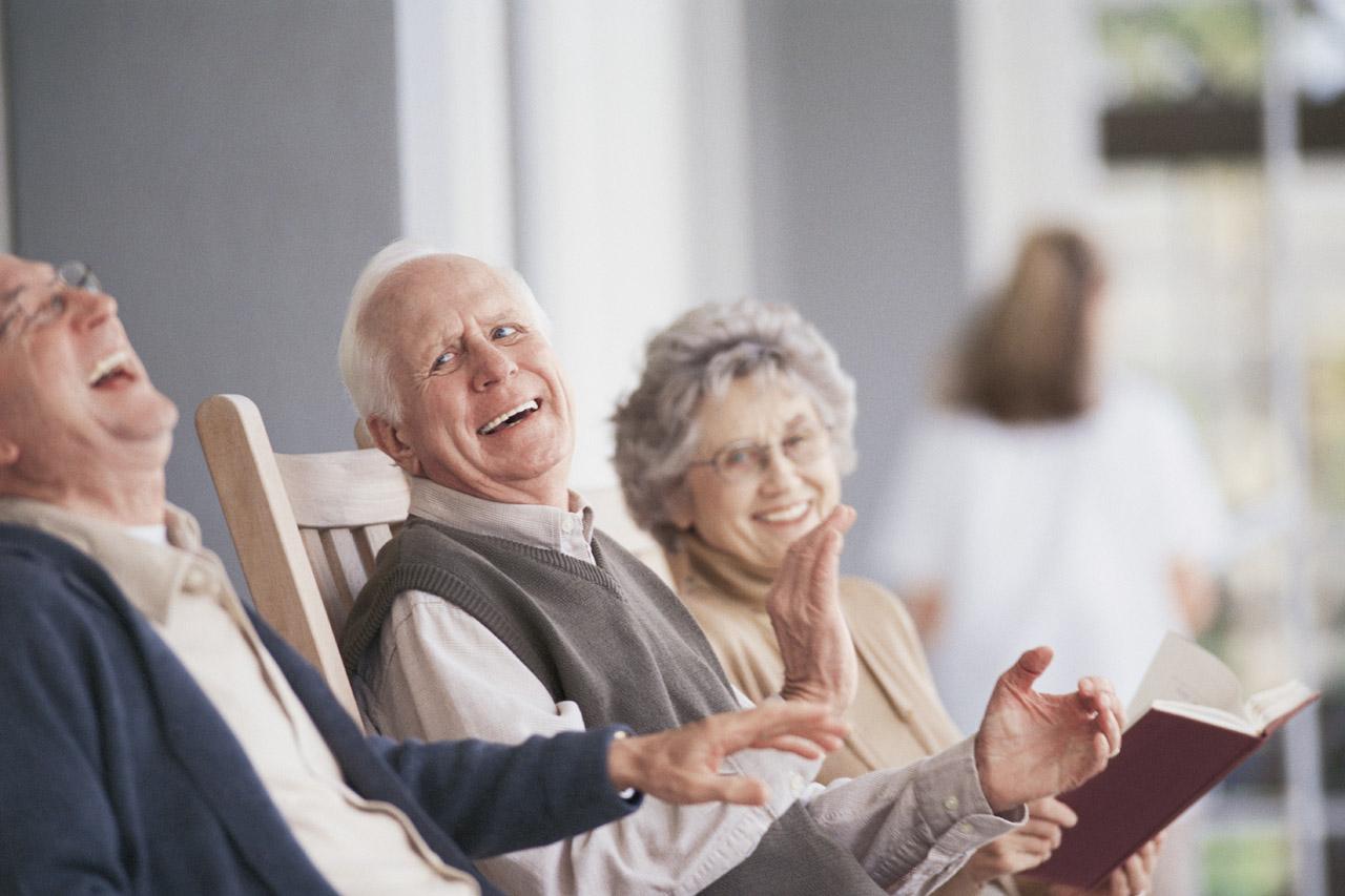 Gülmek yaşlılar