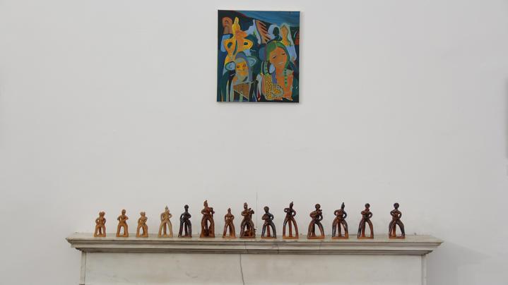 Giulia Mangoni,Viaggianti Notturni, olio su tela - Paola D'Orazio e Roberto Tersigni, San Giorgio a cavallo, statua in ceramica