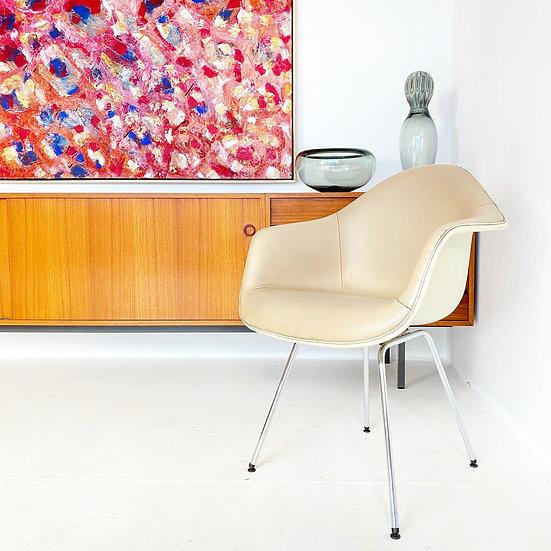 Herman Miller - Fiberglass Armchair