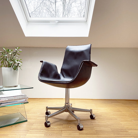 Kill International - Tulip Chair FK6726