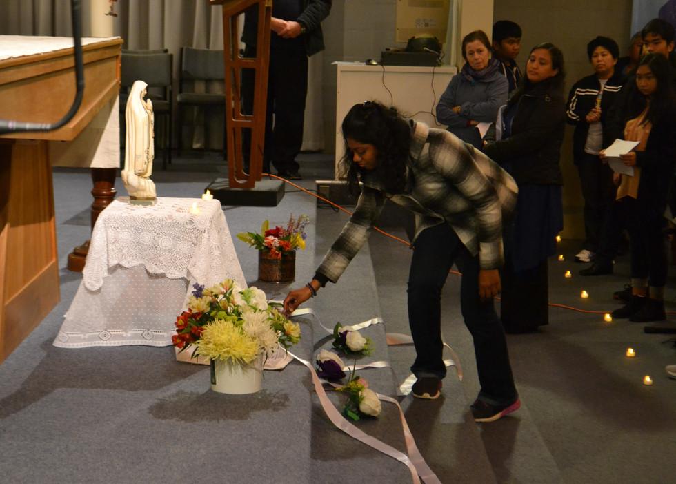 0754 Living Rosary.jpg