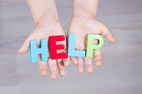 The child asks for help. Written help le