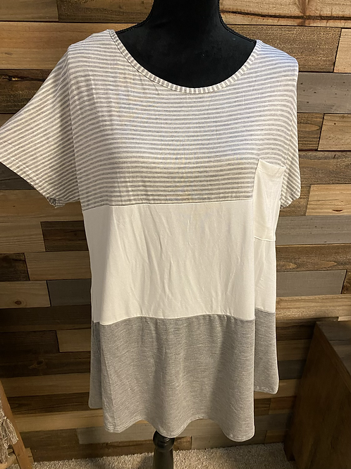 Plus size gray striped color block tee