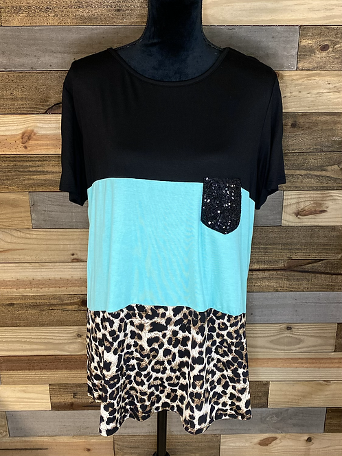 Plus size turquoise leopard tee