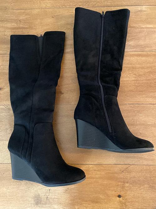 Black wedge zip boot