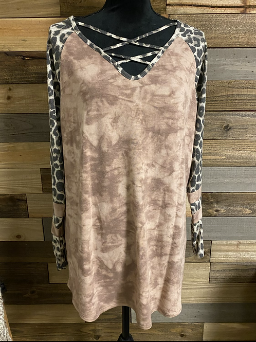 Plus size Mauve tie dye with leopard sleeves
