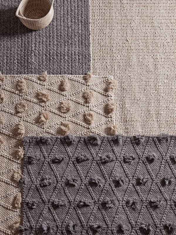 Nordic Rug - Natural Pompoms