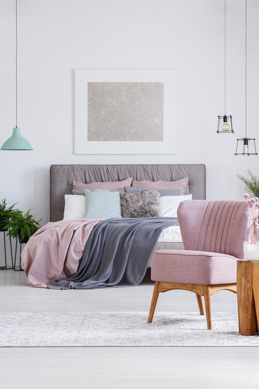 Blush pink interior design trends. Shades of pink. Pink and grey bedroom ideas. 2018 interior design trends. Pink wall combinations.