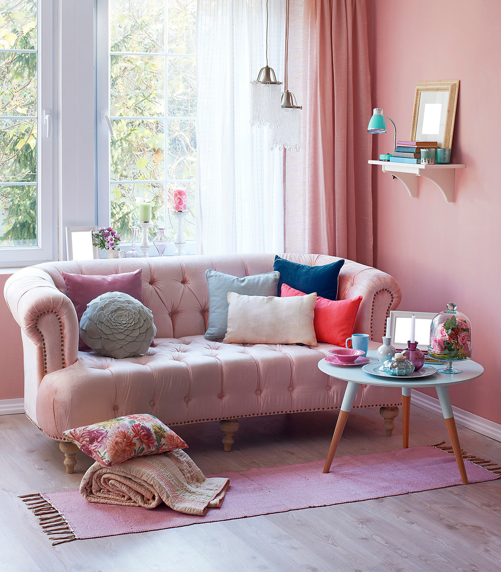 Blush Pink Interior Design Trends: Pink and grey living room ideas. 2018 interior design trends. Pink wall combinations. Pink living room ideas. Blush pink interior design inspiration