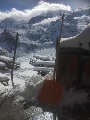 Terrasse Schnee.JPG