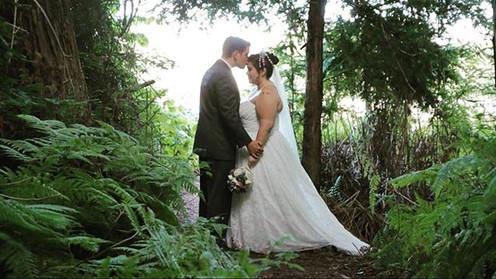 Sometimes I like to shoot weddings too..