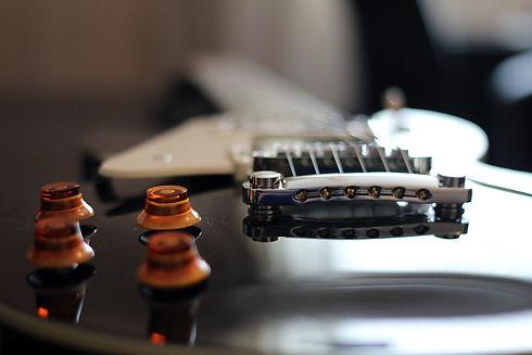guitar-953254.jpg