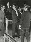 פול מקרטני משוחרר מהכלא היפני.
