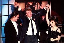 ג'ון לנון נכנס ל Rock and Roll Hall Of Fame.