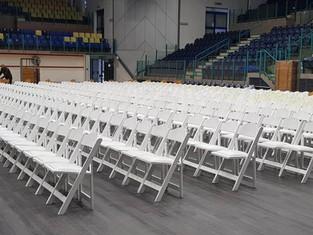 השכרת מערכות ישיבה, שולחנות וכסאות