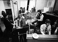 הביטלס מקליטים את Penny Lane באולפני EMI, אבי רואד, לונדון.